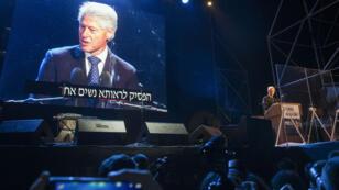 Selon la radio publique, plus de 75 000 personnes se sont mobilisées, samedi 31 octobre 2015, pour honorer l'ancien Premier ministre Yitzhak Rabin, assassiné il y a vingt ans.