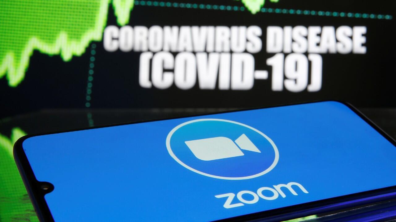 Zoom es una de las empresas de videollamadas que más ha crecido durante las semanas de confinamiento y cuarentena para frenar al Covid-19. Imagen del 19 de marzo.