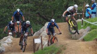 Les Championnats du monde 2020 de VTT cross-country qui devaient avoir lieu fin juin à Albstadt (Allemagne) ont été reprogrammés du 5 au 11 octobre dans la ville autrichienne de Leogang