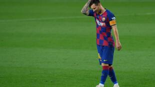 Lionel Messi, la star argentine du FC Barcelone, contre Osasuna en Liga le 16 juillet au Camp Nou