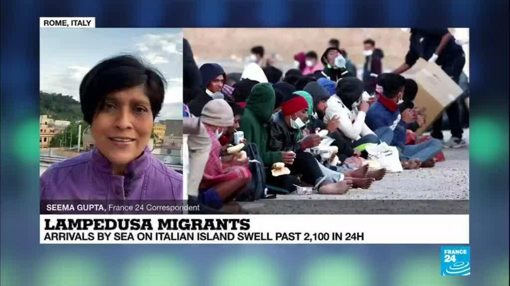 2021-05-11 09:11 Migrant arrivals by sea on Italian island swell past 2,100