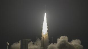 Une fusée Vega décolle depuis Kourou, en Guyane, le 7 novembre 2017, avec le satellite marocain Mohammed VI-A à son bord.