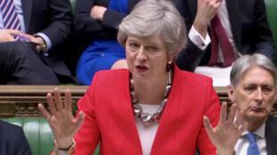 La Première ministre britannique Theresa May défend devant les parlementaires l'accord sur le Brexit soumis au vote mardi soir.