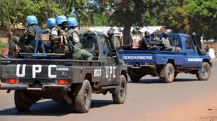 Des forces de sécurité centrafricaines dans les rues de Bangui, en octobre 2014.