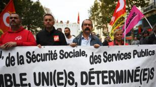 Le patron de la CGT, Philippe Martinez, en tête du cortège de la manifestation contre la réforme du code du travail, le 19 octobre 2017, à Marseille.