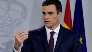 Spanish Prime Minister Pedro Sanchez, shown here, and Catalan president Quim Torra agreed to re-activate a bilateral negotiating commission when they met last month
