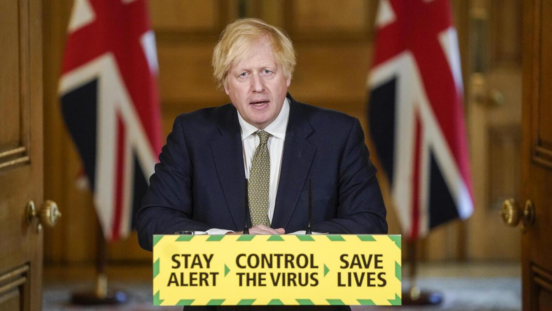 Royaume-Uni : Boris Johnson défend Cummings et présente la suite du déconfinement