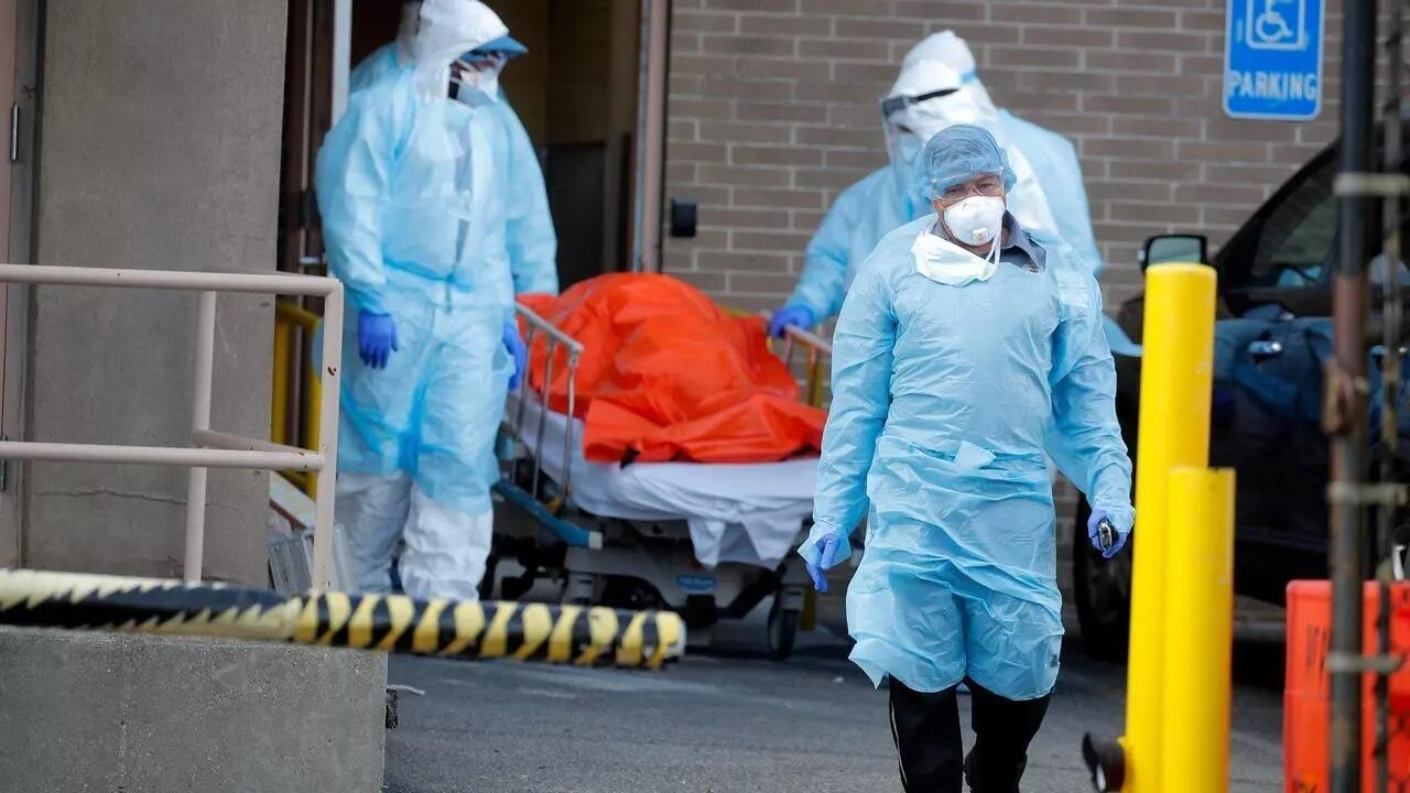 الولايات المتحدة: نحو 290 ألف إصابة جديدة بفيروس كورونا خلال 24 ساعة في حصيلة غير مسبوقة