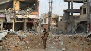 Un soldat irakien à Ramadi, le 27 décembre 2015.