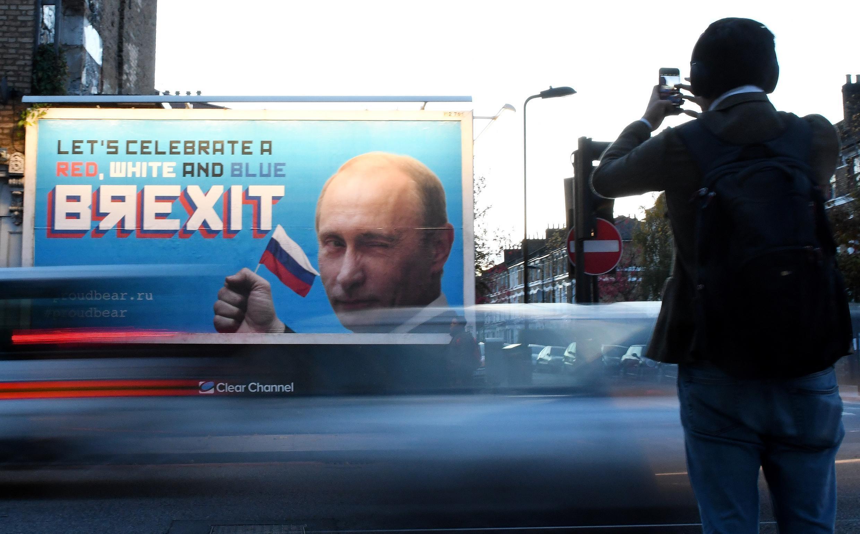 Un rapport de députés britanniques publié mardi 21 juillet estime que le gouvernement britannique doit enquêter sur des interférences russes dans la campagne du référendum sur le Brexit en 2016.