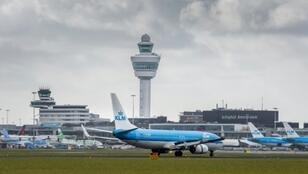 """KLM is delighted that it has reached an agreement with the VNV and hopes that a line can now be drawn under a difficult period. KLM wishes now to join with the VNV to concentrate on the challenges ahead,"" the airline stated"