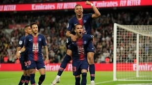 لاعبو باريس سان جرمان يحتفلون بهدف في مرمى موناكو 21 أبريل/نيسان 2019.