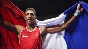 Le boxeur français Tony Yoka a remporté la médaille d'or en boxe catégorie super-lourds aux JO de Rio, le 21 août 2016