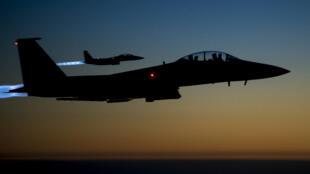 Un avion américain F-15 Strike Eagle.