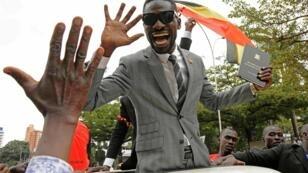 """Robert Kyagulani, alias """"Bobi Wine"""", au moment de son élection comme député en juillet 2017."""