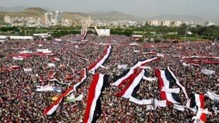 الحشود التي خرجت للتظاهر في صنعاء