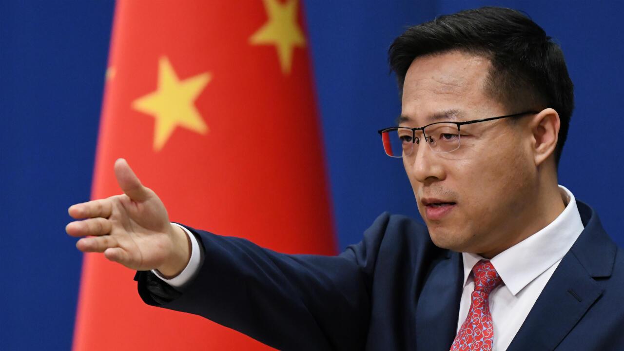 Imagen de archivo. El portavoz del Ministerio de Relaciones Exteriores de China, Zhao Lijian, hace una pregunta en la conferencia de prensa diaria en Beijing el 8 de abril de 2020.