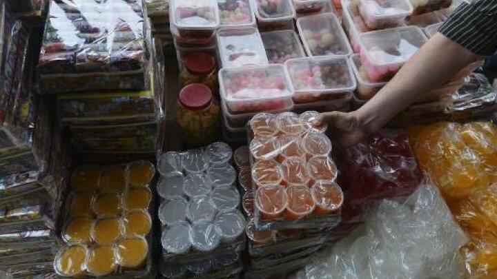 سوق للأطعمة الملائمة للشريعة في لاهور في 14 نيسان/أبريل 2015