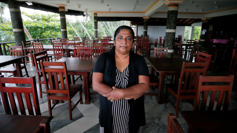 Samanmali Colonne, de 51 años, gerente del hotel Warahena Beach Hotel en la ciudad de Bentota en Sri Lanka, el 2 de mayo de 2019.