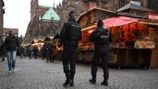 El mercado de Navidad de Estrasburgo reabrió sus puertas bajo alta seguridad, en Francia, el 14 de diciembre de 2018.