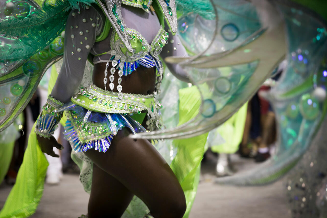 Los 'passistas' son los embajadores del samba y, a diferencia de los otros miembros de la escuela, bailan a lo largo de todo el desfile en el sambódromo. Escuela Mocidade Independente de Padre Miguel. (Carnaval 2017).