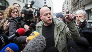 Sven Mary, l'avocat belge de Salah Abdeslam, s'est exprimé auprès des médias le 19 mars 2016 après s'être entretenu avec le présumé logisticien des attaques du 13 novembre.
