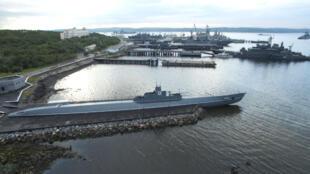 Le port militaire de Severomorsk abrite la flotte du Nord de la marine militaire russe.