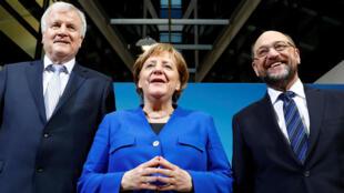 Intervención de la canciller alemana Angela Merkel, el líder de la Unión Social Cristiana en Baviera (CSU) Horst Seehofer y líder del Partido Social Demócrata (SPD) Martin Schulz, tras las negociaciones de un nuevo gobierno de coalición en Berlín, Alemania. 01/12/2018