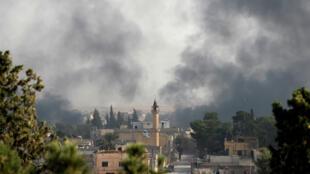 Les forces turques ont notamment franchi la frontière non loin de la ville de Tell Abyad en Syrie.