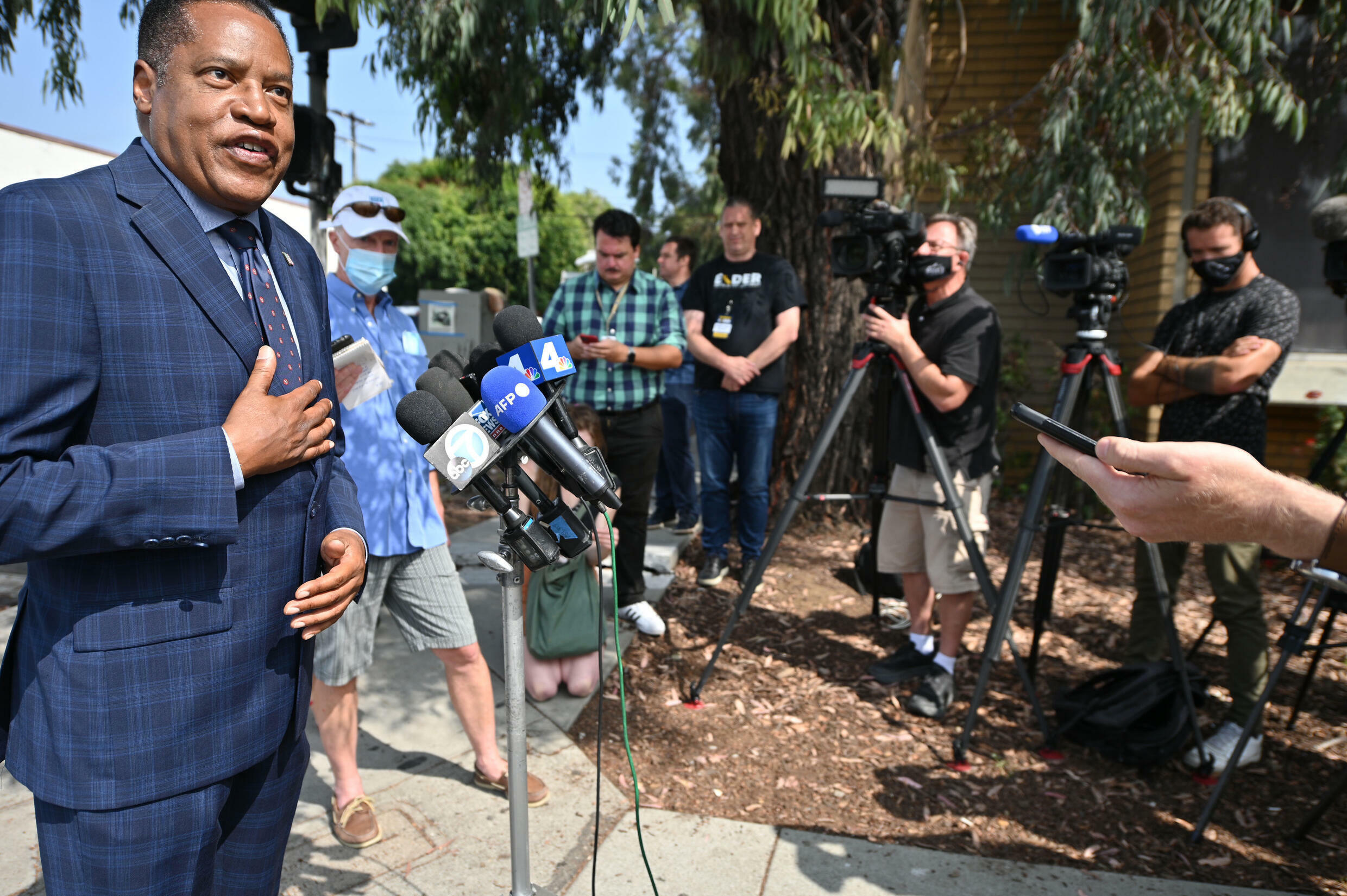 Tory talk show host Larry Elder leads the pack in Republican challengers, though he still rings below 20%