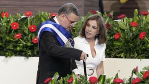 El expresidente salvadoreño Mauricio Funes durante el acto de investidura de su sucesor, Salvador Sánchez, el 1 de junio de 2014.