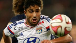 Nabil Fékir, le joueur franco-algérien de l'Olympique lyonnais, annoncera la sélection nationale pour laquelle il jouera en mars.