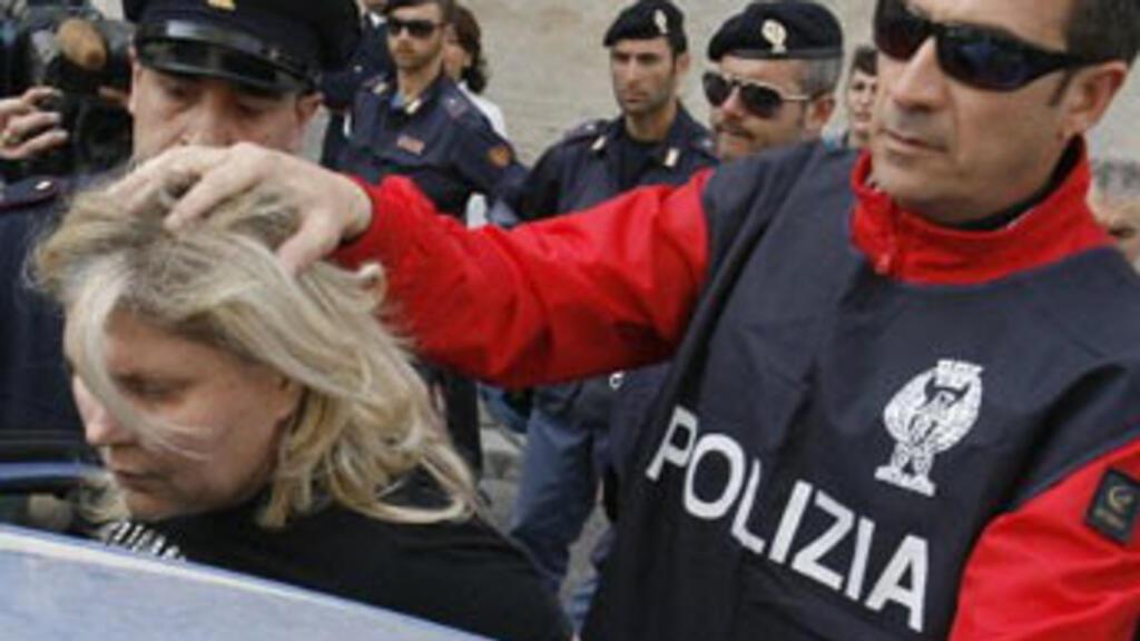 Police arrest 68 Naples mafia suspects