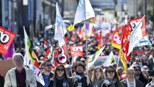 Les organisations syndicales ont sorti le drapeau rouge pour contrer la montée du Front national.