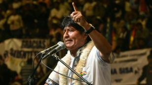 El presidente de Bolivia Evo Morales se dirige a sus seguidores en un evento multitudinario en la localidad de Quillacollo para celebrar el aniversario número 13 de su llegada al poder. Quillacollo, Bolivia, diciembre 28 de 2018.