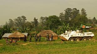 Patrouille de soldats bangladais de la Monusco à Gety, près de Kaswara en Ituri, le 26 janvier 2016.