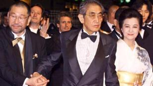 Nagisa Oshima (au centre), au Festival de Cannes, en 2000.