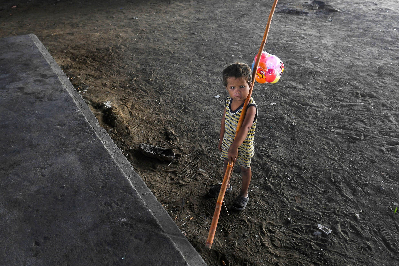 صورة طفل في باكتسان
