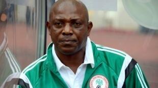 ستيفن كيشي بطل أفريقيا 2013 على رأس المنتخب النيجيري.