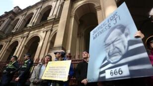 Manifestantes ante el Tribunal Supremo del Estado de Victoria el 20 de agosto de 2019