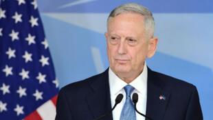 Le secrétaire américain à la Défense, James Mattis, lors de sa conférence de presse depuis le siège bruxellois de l'Otan, mercredi 15 février 2017.