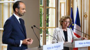 Le Premier ministre Édouard Philippe et la ministre du Travail Muriel Pénicaud, jeudi 31 août, à Matignon, présentent la réforme du code du travail.