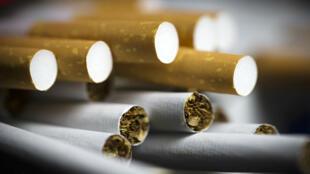 لا تزال نسبة التدخين اليومي في فرنسا مرتفعة جدا مقارنة بالدول الأخرى ذات المستوى الاقتصادي نفسه.