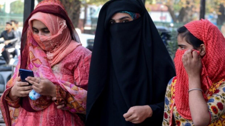 Mobile phones back in Indian Kashmir, but internet still down