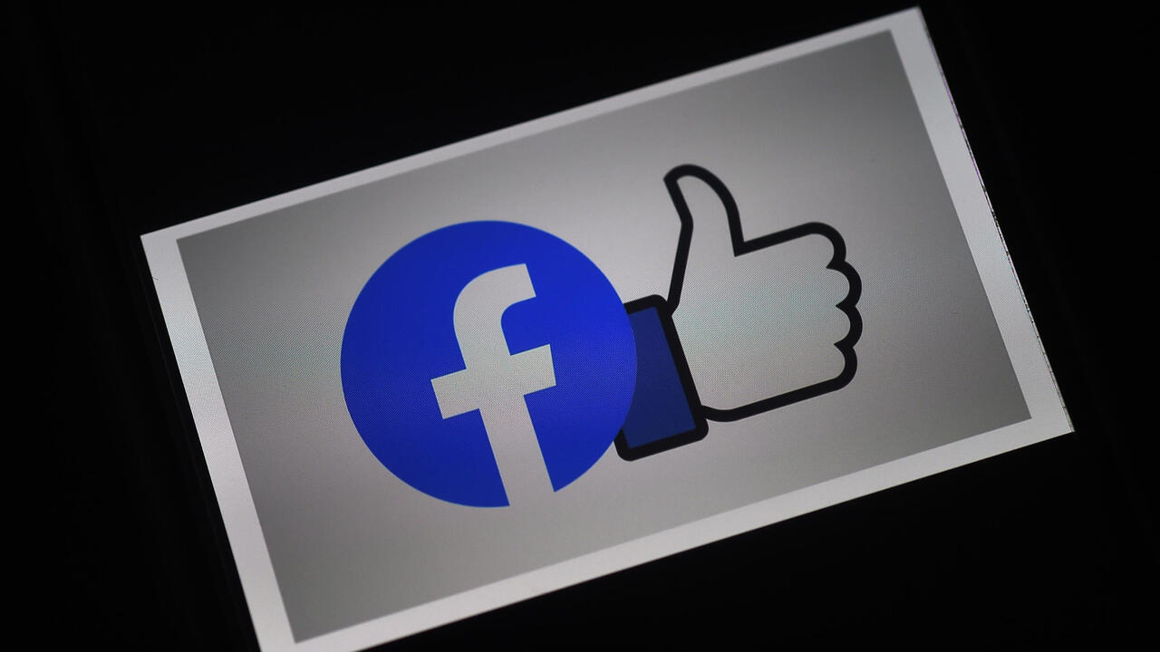 Australia passes amended law forcing Facebook, Google to pay for news