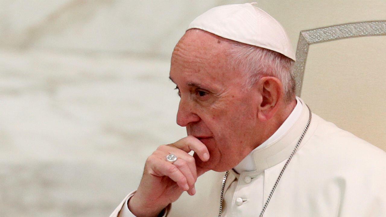 El Papa Francisco aceptó la renuncia del obispo auxiliar de Los Ángeles, Alexander Salazar. Archivo.