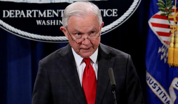 L'ex-ministre de la Justice Jeff Sessions lors d'une conférence de presse à Washington, le 28 octobre 2018.