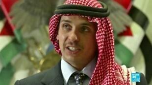 2021-04-04 14:31 Jordania: medio hermano del rey, Hamzah bin Hussein, denuncia estar en detención domiciliaria