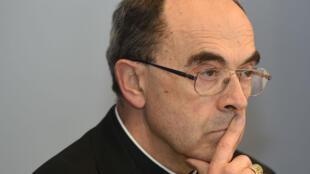L'audition du cardianl Barbarin doit aider la police à faire la lumière sur l'affaire de pédohilie qui empoisonne l'Église de France.
