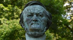 L'œuvre de Richard Wagner a été adoptée par le régime nazi et est, à ce titre, boycottée en Israël.